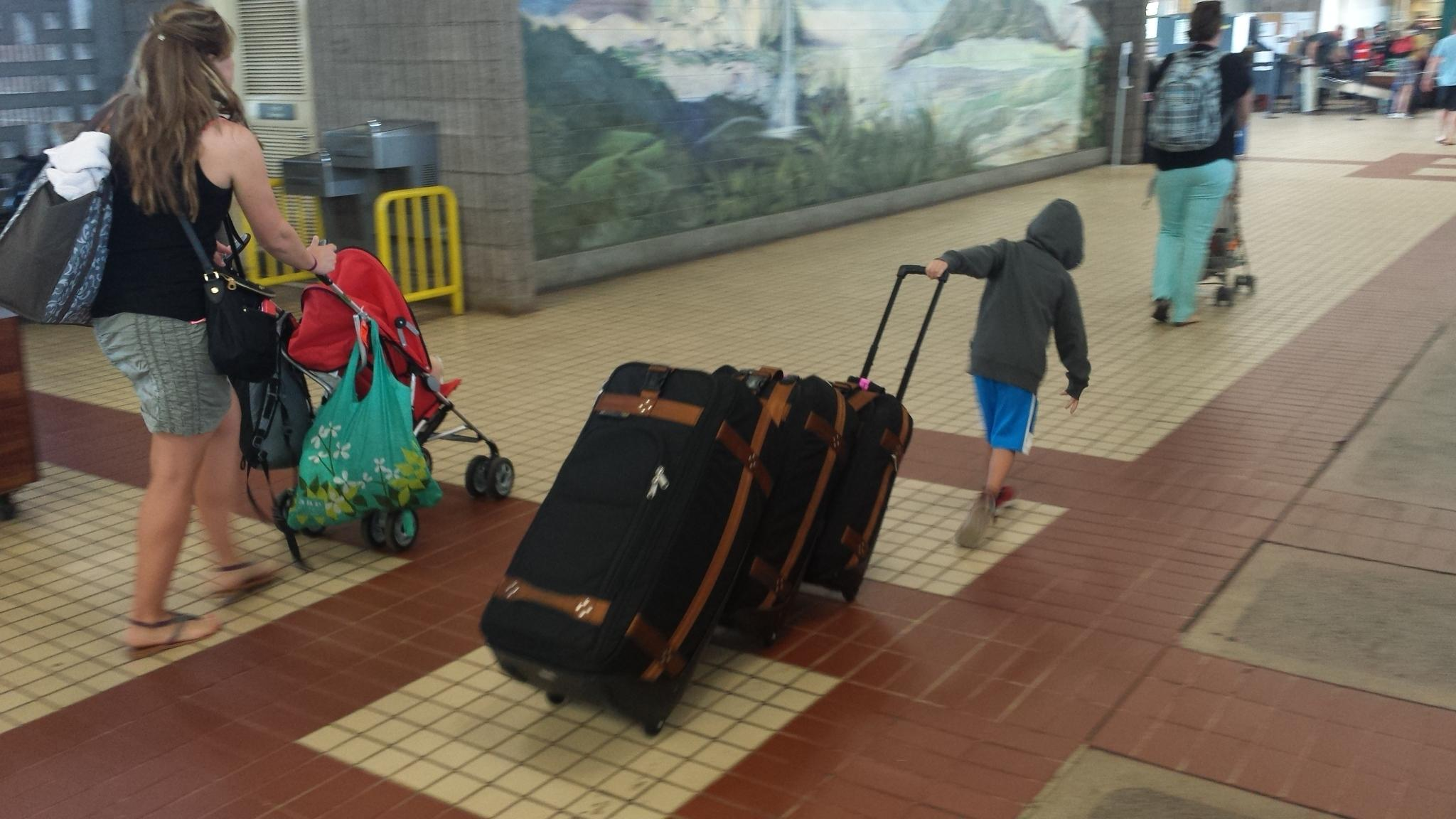 even a 5 year old can opull the Luggage Train